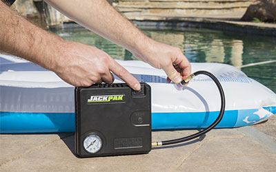 Portable air pump for inflatables
